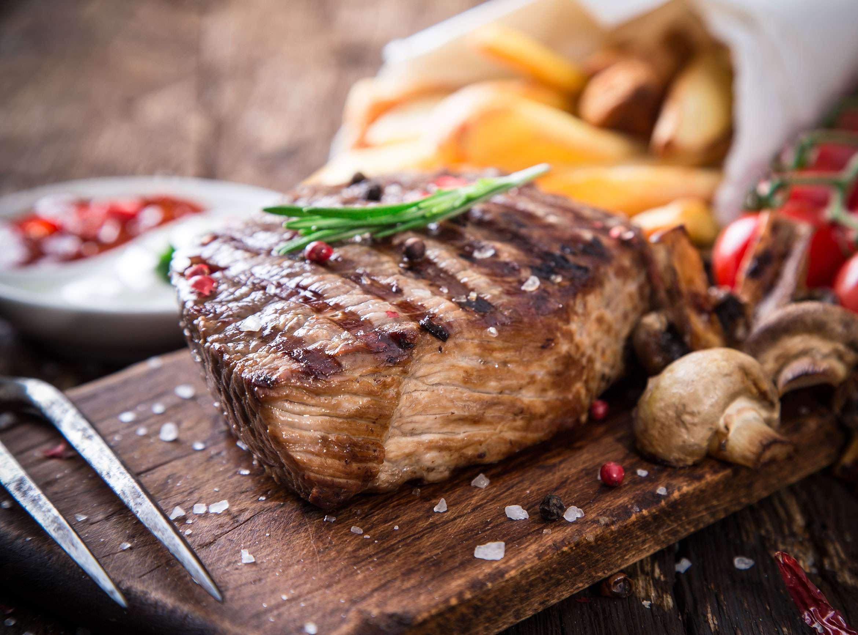 Steak with mushroom puff tartlets